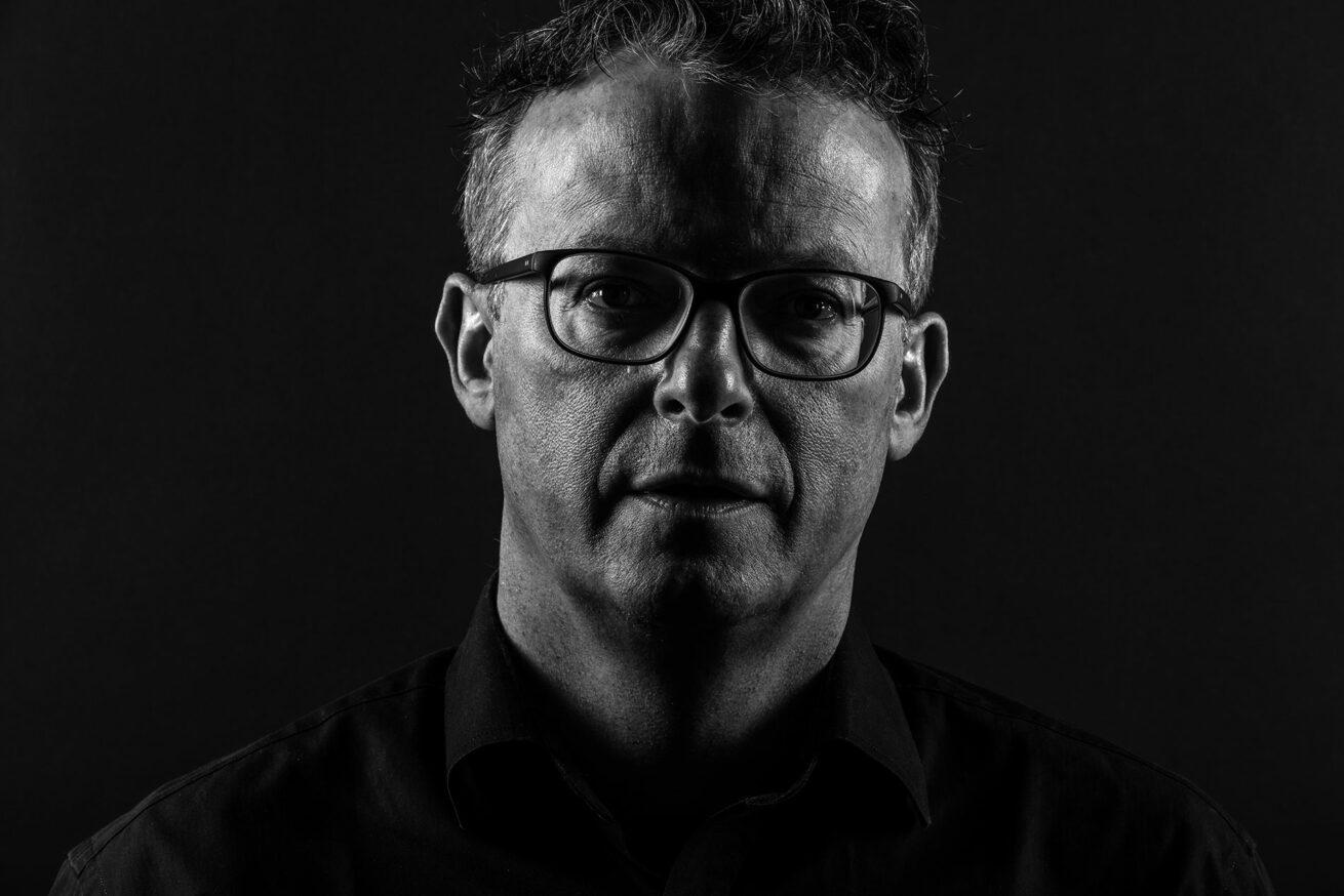 Urs Bütler – Buchhändler – Portrait Troy Fotografie Olten