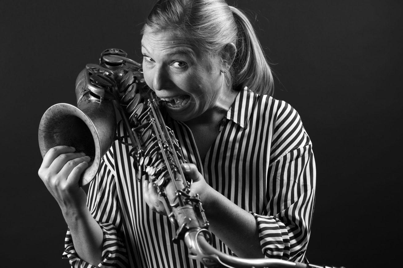 Fabienne Hoerni – Saxophonistin – Portrait Troy Fotografie Olten